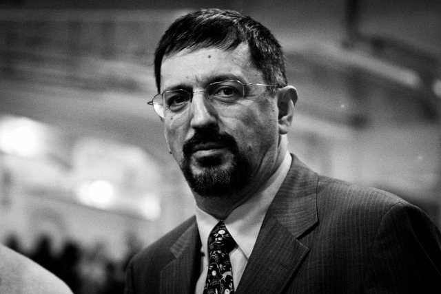 Гасан Гусейнов, доктор филологических наук, профессор факультета медиакоммуникаций НИУ ВШЭ Медиапроект s-t-o-l.com
