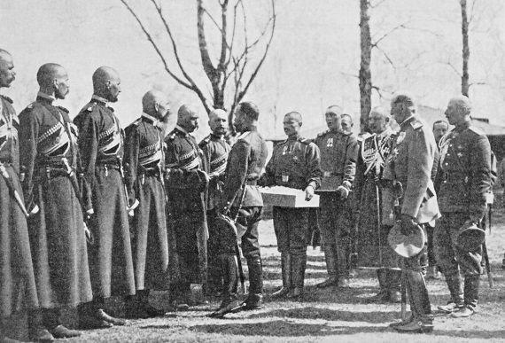 05_Христосование Императора Николая II с урядниками Конвоя Медиапроект s-t-o-l.com