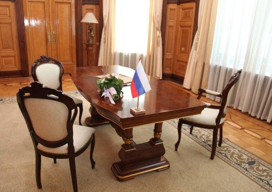 Стол из Дворца бракосочетания №1 в городе Москве Медиапроект s-t-o-l.com