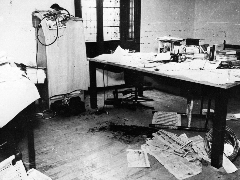 Стол, за которым был убит Лев Троцкий Медиапроект s-t-o-l.com