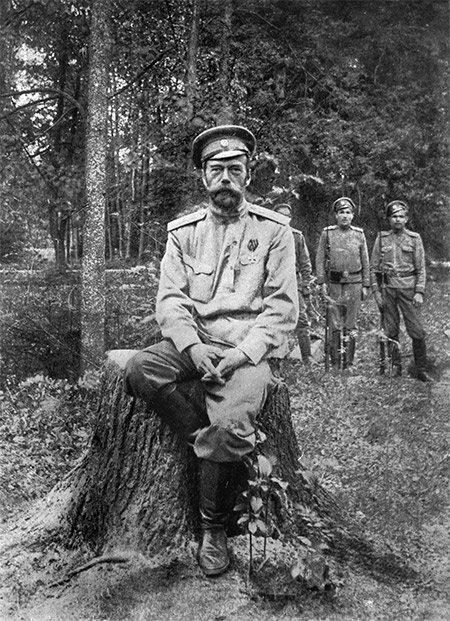 Фотография Николая Романова, сделанная после его отречения в марте 1917 года и ссылки в Сибирь Медиапроект s-t-o-l.com