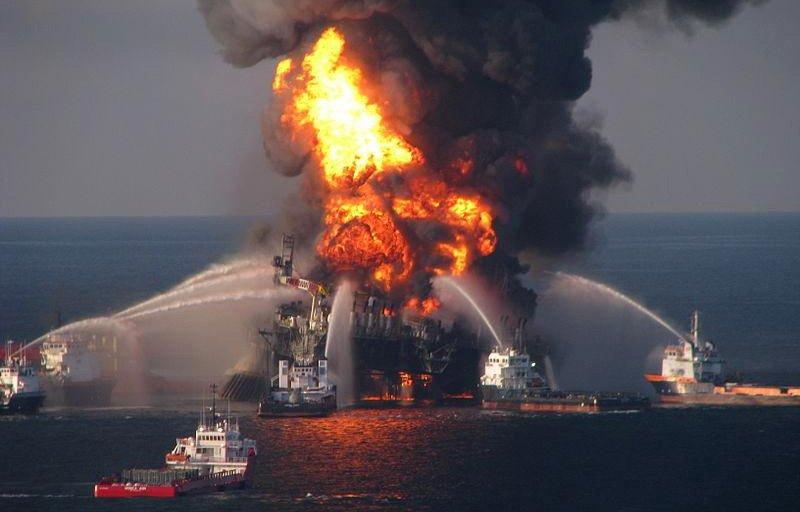 04_взрыв-на-нефтяной-платформе Медиапроект s-t-o-l.com