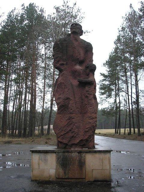 Монумент в Собиборе Медиапроект s-t-o-l.com