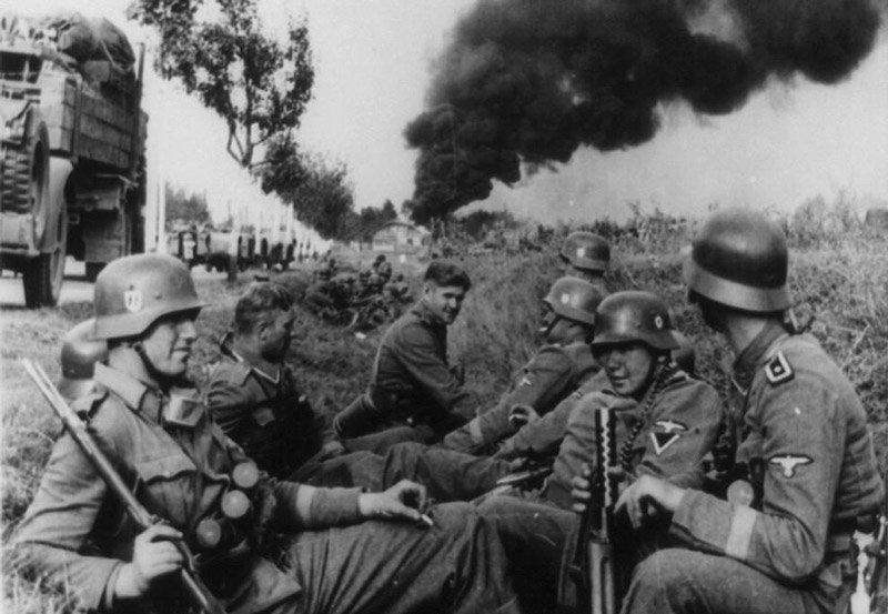 Немецкие солдаты СС на отдыхе, 1939 год Медиапроект s-t-o-l.com