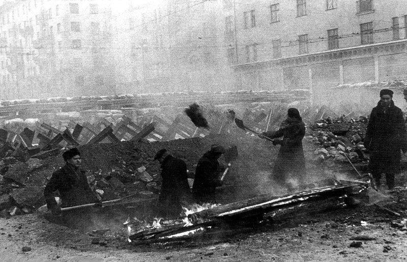 Окопы на улице Горького в Москве, 1941год Медиапроект s-t-o-l.com