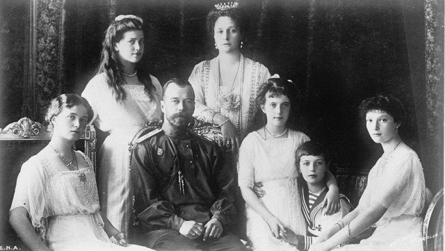 1443024551_romanov-family-still