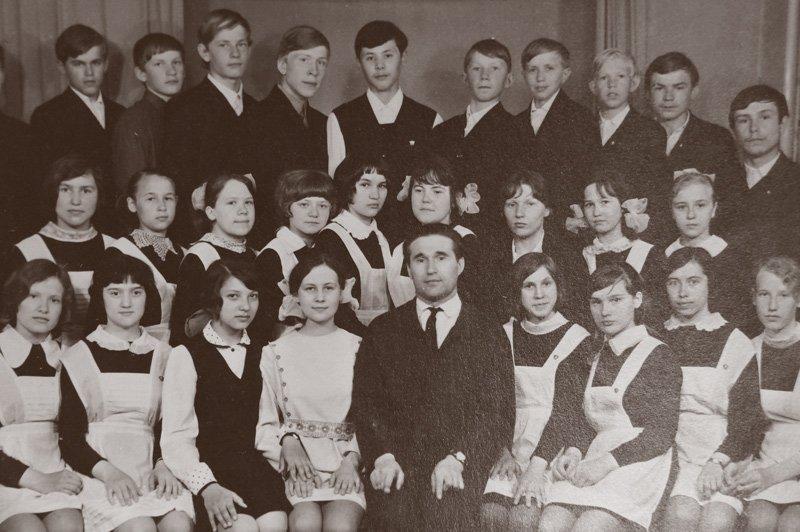 Владимир Дмитриевич с классом. Фото из личного архива  Медиапроект s-t-o-l.com