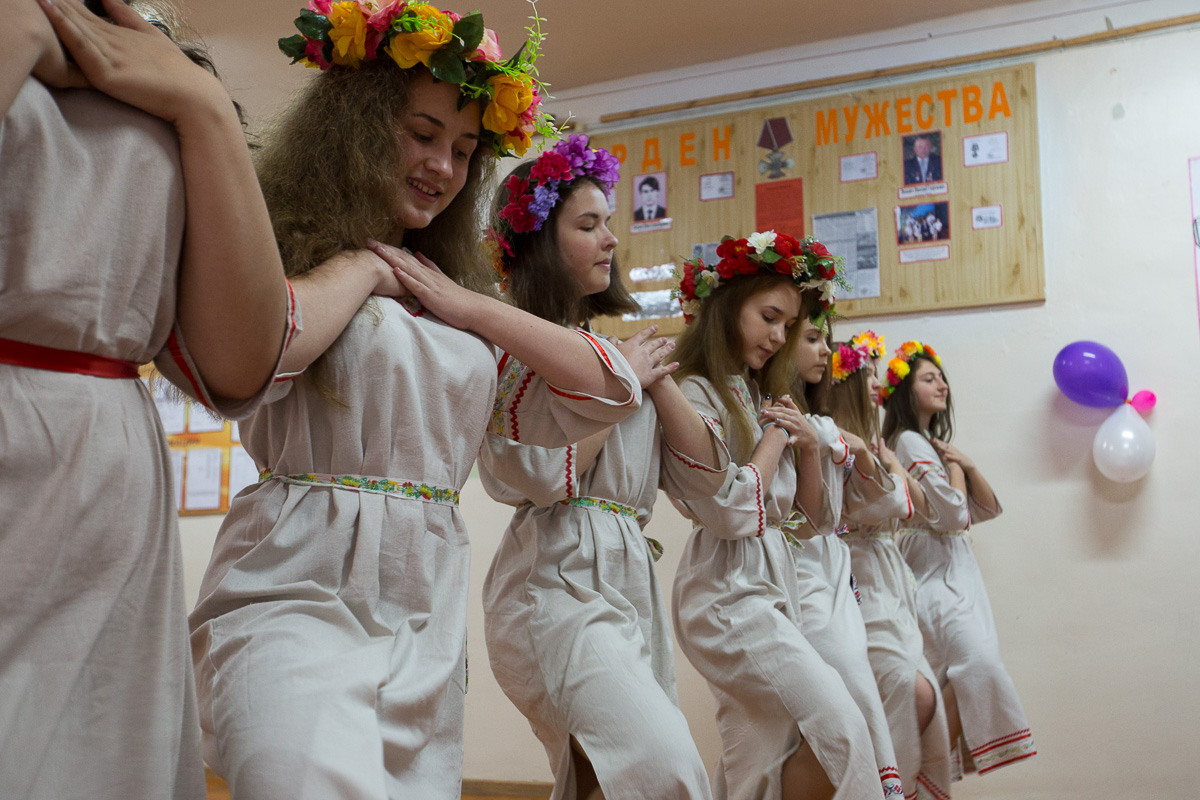 Танец славянских девушек Медиапроект s-t-o-l.com
