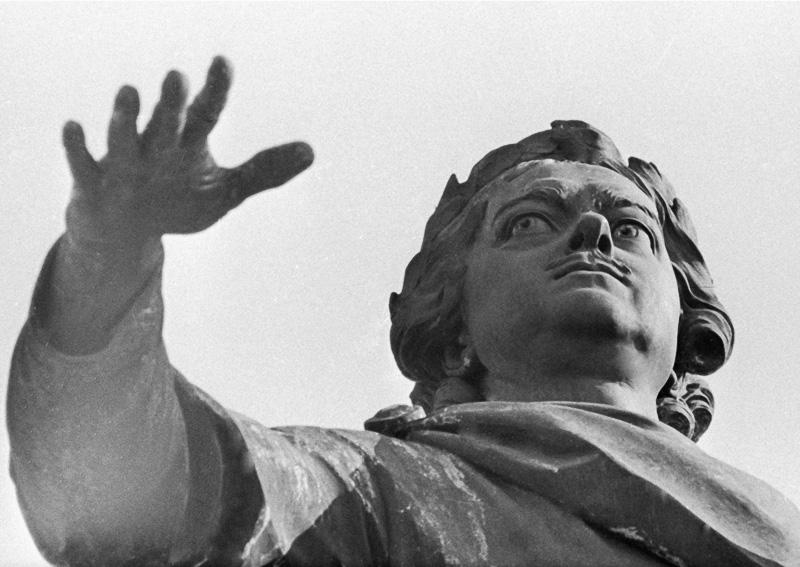 Памятник Петру I Медный всадник. Медиапроект s-t-o-l.com