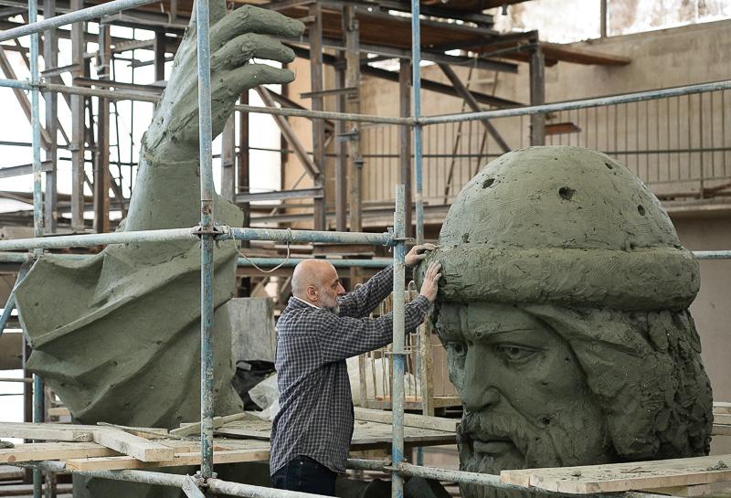 Работа над памятником Великому князю Владимиру Медиапроект s-t-o-l.com