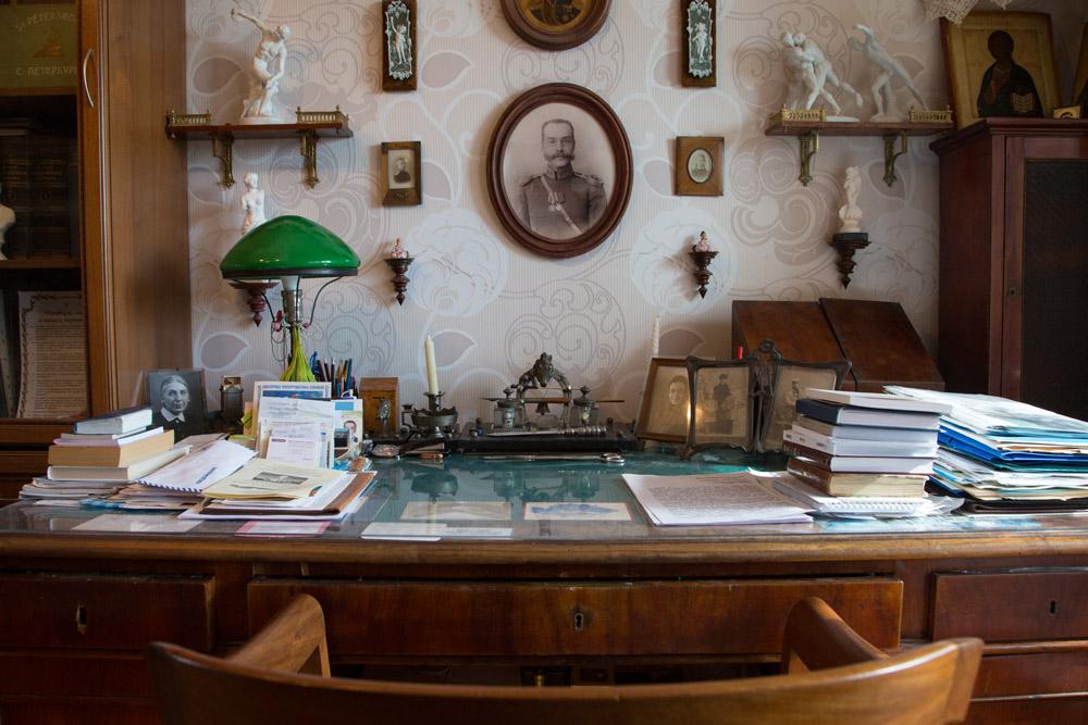Стол Никиты Благово. Фото:А. Каплина Медиапроект s-t-o-l.com