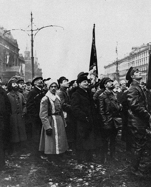 Ленин на открытии панно «Павшим за мир и братство народов» Медиапроект s-t-o-l.com