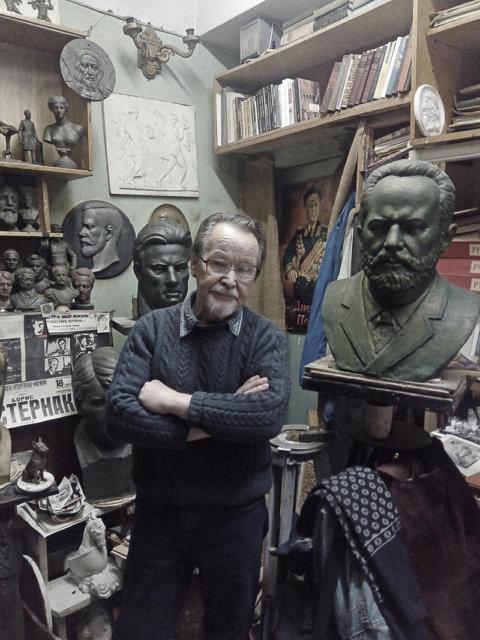 Скульптор Анатолий Гробов, ноябрь 2017 год Медиапроект s-t-o-l.com