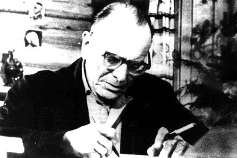 К. Паустовский в своем доме в Тарусе Медиапроект s-t-o-l.com