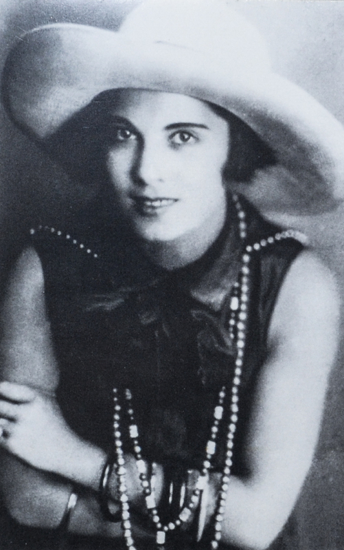 """Карола Неер в спектакле """"Кукули"""", 1927 год Медиапроект s-t-o-l.com"""