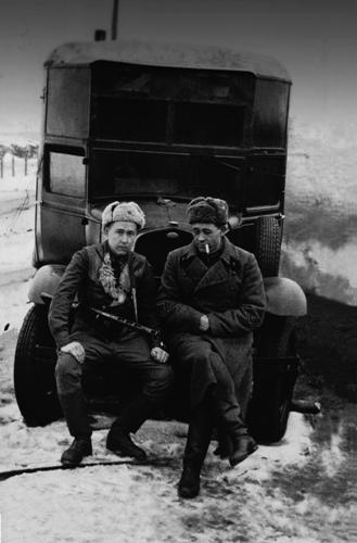 Комбат А. Солженицын и командир артиллерийского разведдивизиона Е. Пшеченко. Февраль 1943 года. Фото из архива семьи Солженицыных Медиапроект s-t-o-l.com