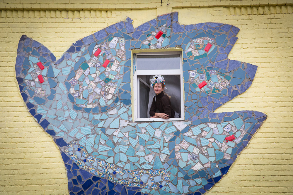 Элемент мозаичной работы на фасаде здания Медиапроект s-t-o-l.com