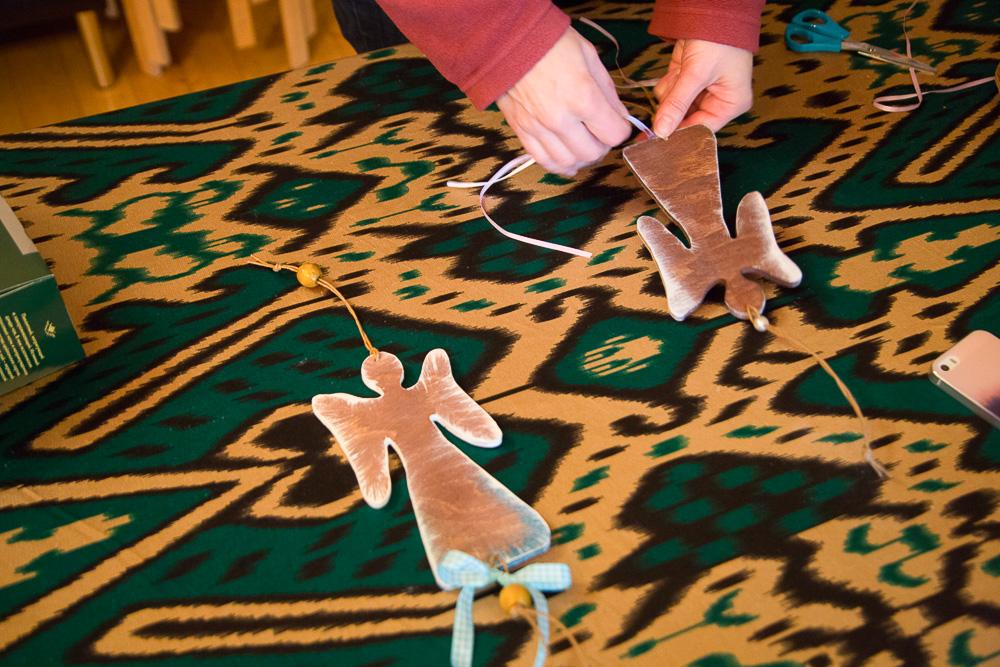 Ангелы, которые сделали ребята вместе с воспитателями и волонтерами для рождественской ярмарки Медиапроект s-t-o-l.com