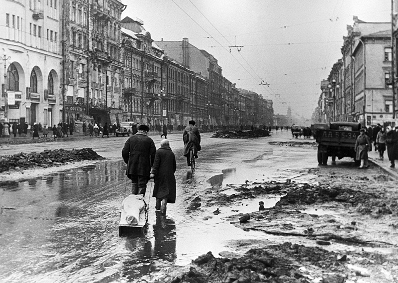 Блокадные дни Ленинграда. Фото: Борис Кудояров Медиапроект s-t-o-l.com