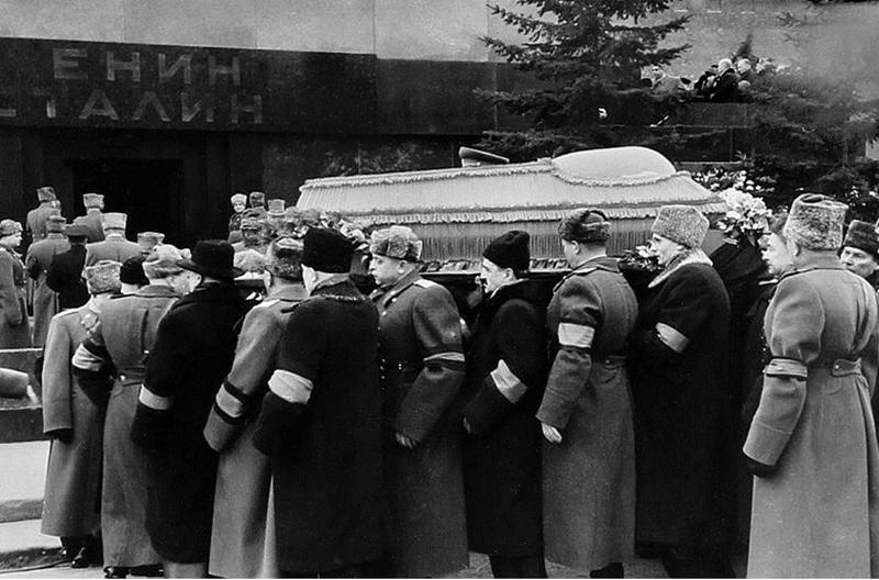 Гроб с телом Сталина Медиапроект s-t-o-l.com