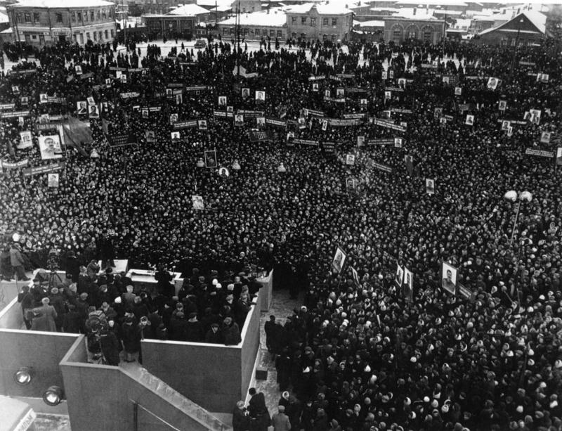 Похороны Сталина. Народ на Красной площади Медиапроект s-t-o-l.com
