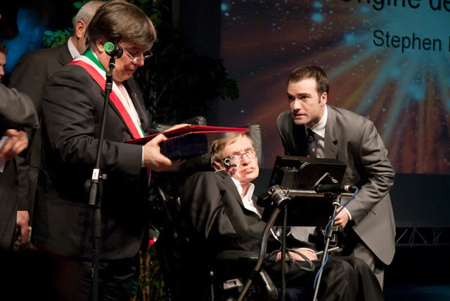 Награждение Стивена Хокинга в Италии Медиапроект s-t-o-l.com