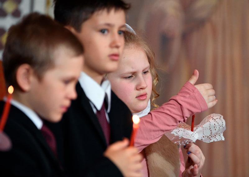 Пасхальное богослужение в храме. Фото: Сергей Пятаков РИА Новости Медиапроект s-t-o-l.com