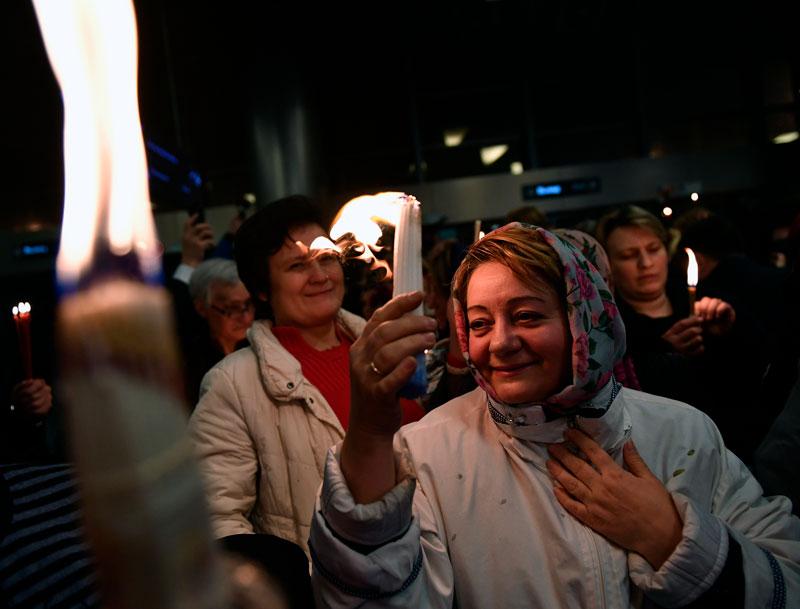 Встреча огня в аэропорту Внуково.Фото: Максим Блинов, РИА Новости Медиапроект s-t-o-l.com