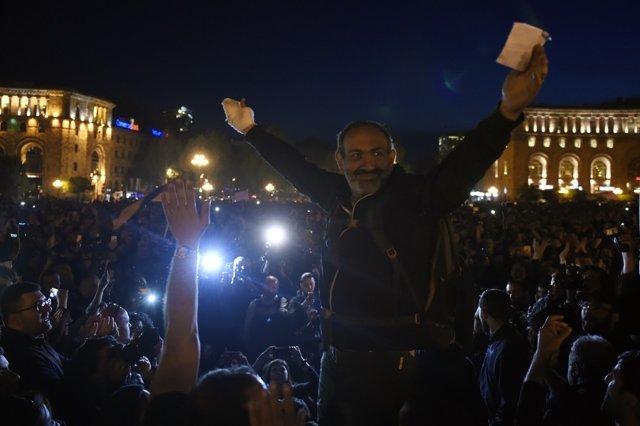 Акции протеста в Ереване Медиапроект s-t-o-l.com