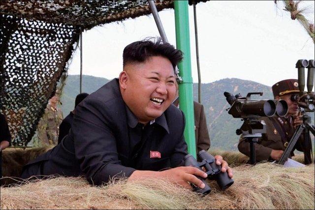 Ким чен Ын на военном полигоне Медиапроект s-t-o-l.com