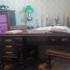Два стола Некрасова в Карабихе