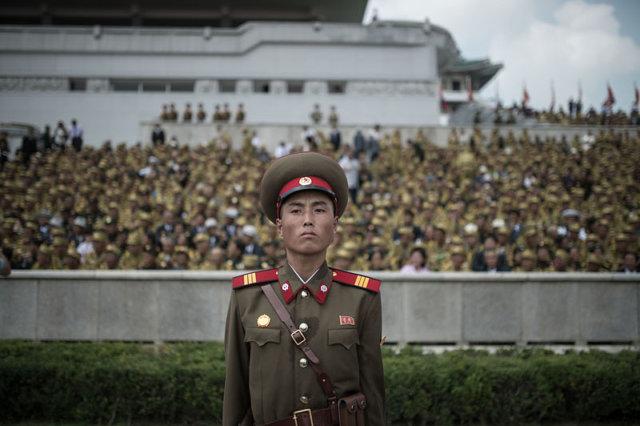 Военнослужащий во время военного парада Медиапроект s-t-o-l.com