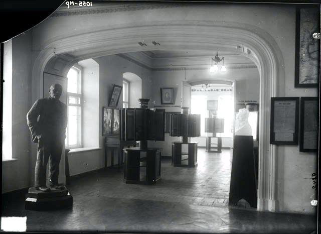 Экспозиция музея в Ипатьевском доме. 1930 г. Медиапроект s-t-o-l.com