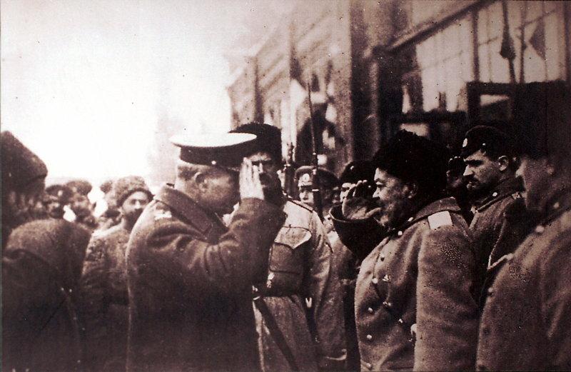 Главнокомандующий Вооружёнными силами Юга России А. И. Деникин и английский генерал Ф.Пулл (ноябрь 1918) Медиапроект s-t-o-l.com