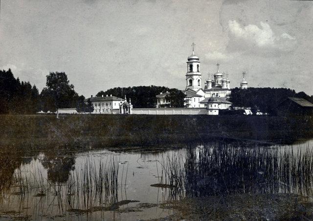 Вид Павло-Обнорского монастыря, дореволюционное фото Источник: wikimedia commons Медиапроект s-t-o-l.com