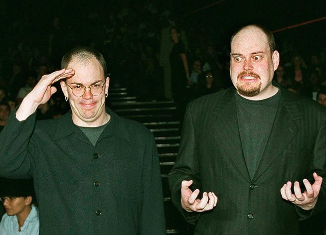 Ларри и Энди Вачовски в свою бытность братьями Медиапроект s-t-o-l.com