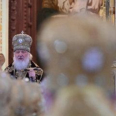 Русские хотят молиться по-русски в Русской церкви
