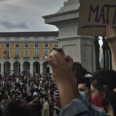 Призрак коммунизма вернулся в Европу и США в маске толерантности