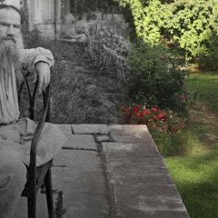 Лев Толстой: «Я давно уже достояние общества»